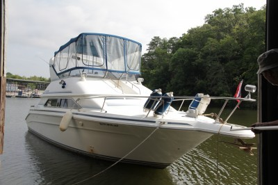 Bid LIVE or ON-LINE – 1992 Sea Ray 350 Express Cruiser