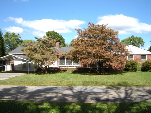SOLD! AUCTION CANCELED – 4 BR Rancher with Inground Pool