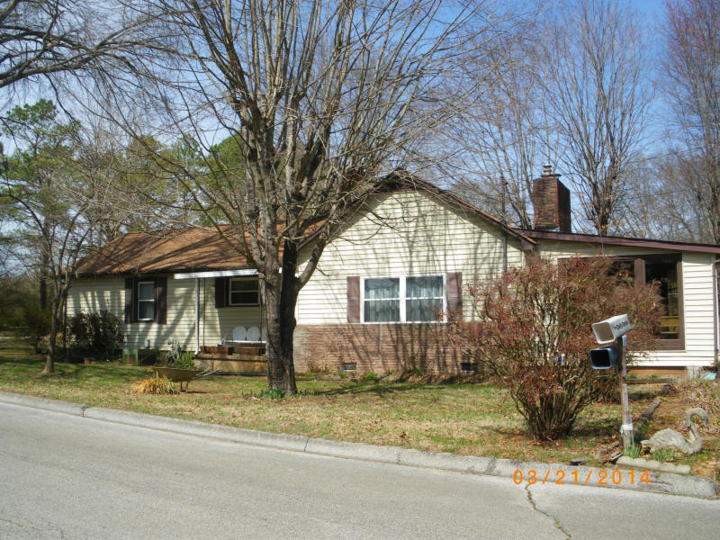 Absolute Real Estate Auction – Single Family Home on Corner Lot in Alcoa